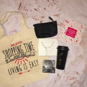 Accessories - Miscellaneous items!Shopping bag,mug,jewelry